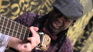 Élage Diouf - « Badola » en session acoustique