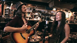 Whisky legs - « Needy Woman » en session acoustique