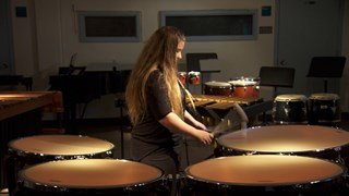 Camélia Cyrenne : Percussions au féminin