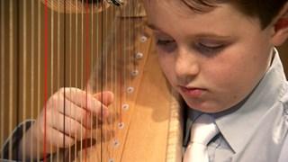Alexandre Beaudry, huit ans et harpiste