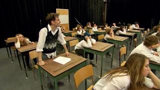 Album de finissants : radiographie théâtrale de l'école secondaire