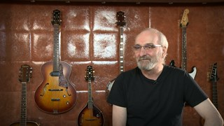 Gaston Arsenault rime avec... guitares!