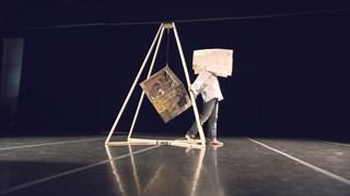 Élise Legrand danse… Le cube - Face 5