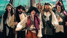 Coeur de Pirate avec un choeur de pirates