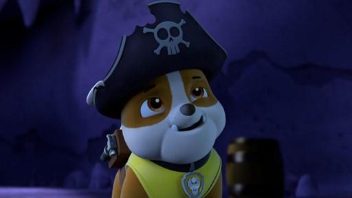 Un des membres de la Pat'Patrouille, portant un chapeau de pirate
