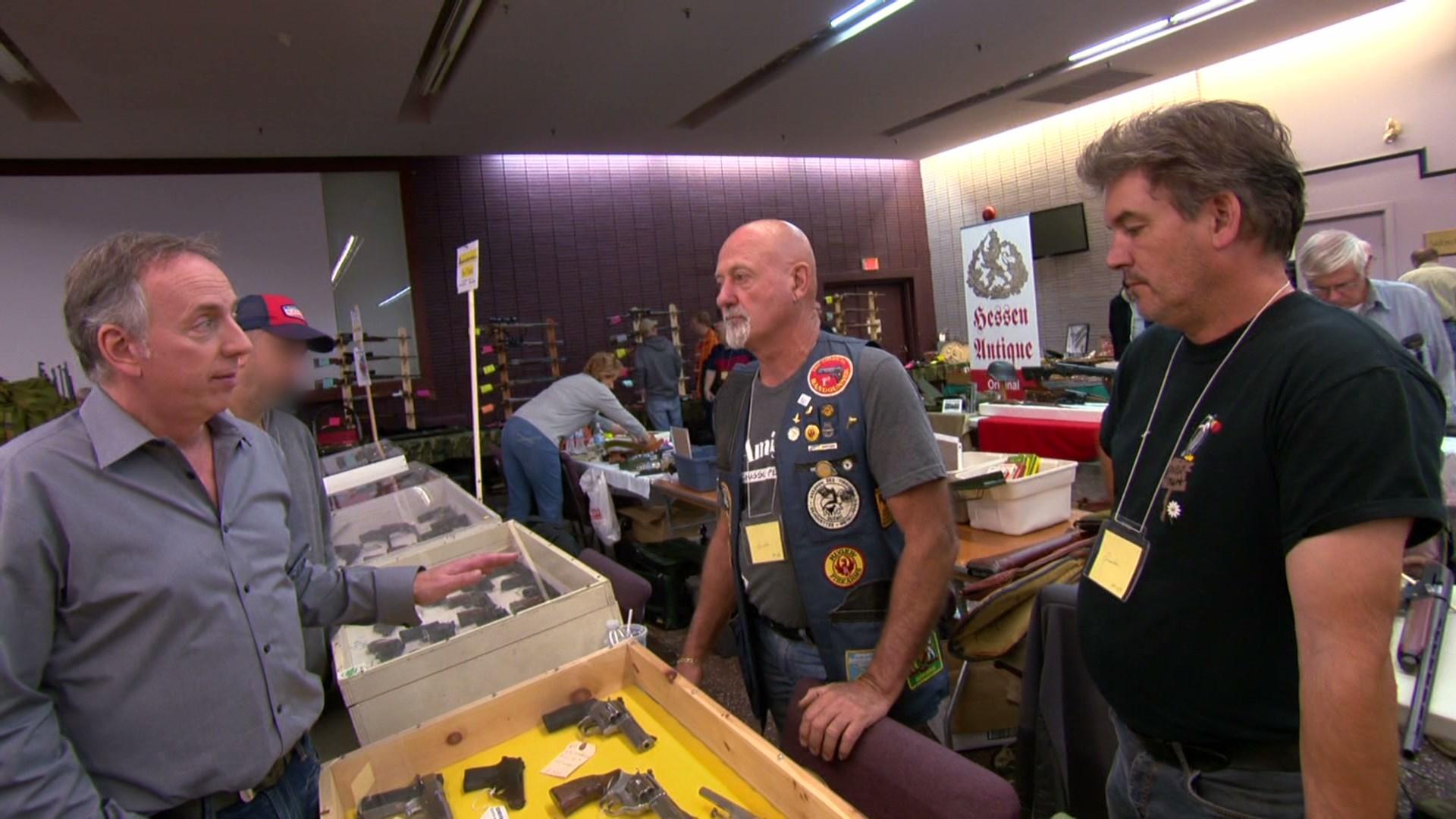 Salon de l 39 arme et du militaria les francs tireurs for Salon des armes a feu