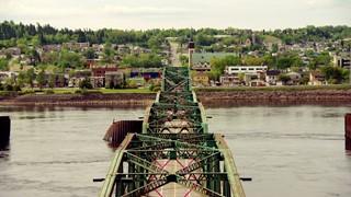 Quand l'art fait le pont | Think Pink