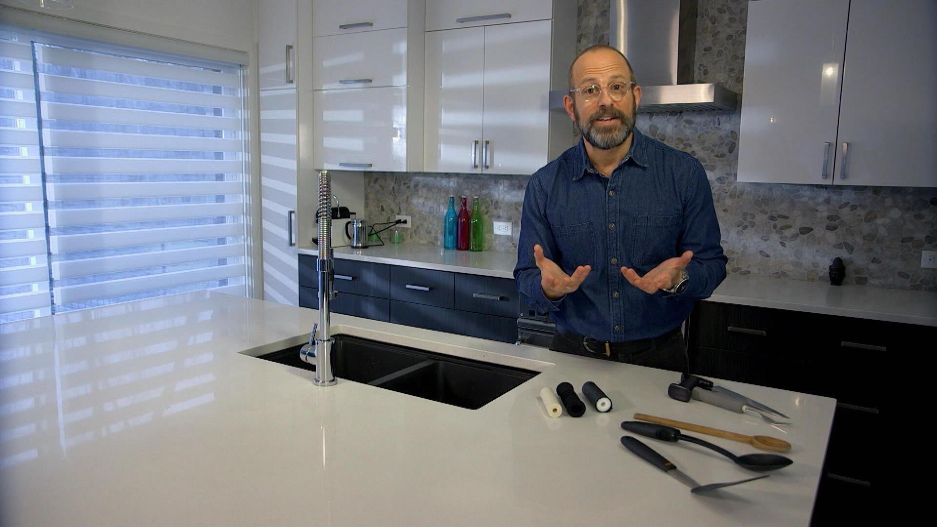 l 39 ergonomie de la cuisine m decin sans rendez vous zone vid o t l qu bec. Black Bedroom Furniture Sets. Home Design Ideas