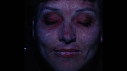 Un photomaton ultraviolet pour voir les dommages du soleil sous la peau.