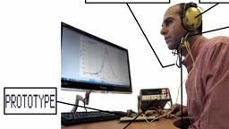 Mastiquer des aliments et accumuler assez d'énergie pour alimenter la batterie d'un appareil auditif.