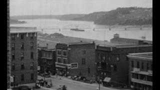 Un pont pivotant sur le Saguenay