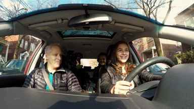 premier cours de conduite avec son père