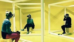 Un casque de réalité virtuelle pour visiter des endroits inédits.