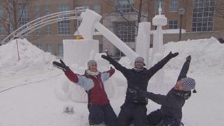 Time lapse ou vue en accéléré   Sculpture sur neige au Carnaval de Québec