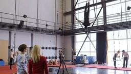 Marianne au labo : une norme calculée scientifiquement pour prévenir les accidents chez les artistes de cirque