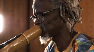 Abdoulaye Sané ou la magie du didgeridoo