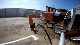 Un robot qui imprime des abris en 3D