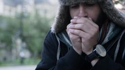 Pourquoi a-t-on de la difficulté à bouger nos doigts l'hiver?