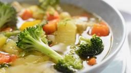Est-ce que c'est vrai que la soupe au poulet, c'est bon contre le rhume?