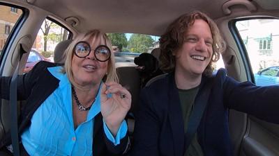 Michèle Richard confie à Pierre-Yves comment son métier l'a initié à l'argent!