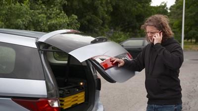 Des options pour remplacer un phare d'auto / Revoir son modèle d'affaires suite à un grave accident