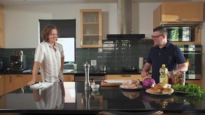 La différence de prix entre cuisiner à la maison ou commander et faire livrer